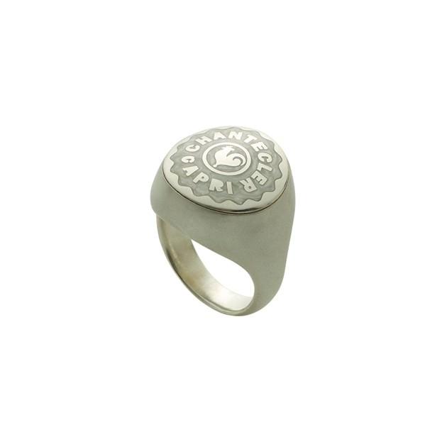 Anello chevalier piccolo in argento, smalto bianco perlato e gambo satinato